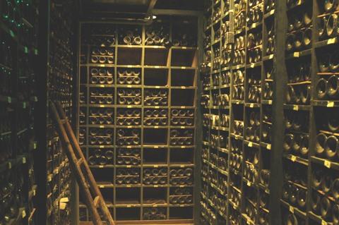 La cave à vin du restaurant la tour d'argent à Paris