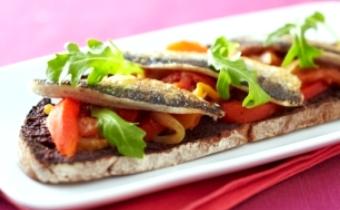 Tartine provencale aux sardines fraiches